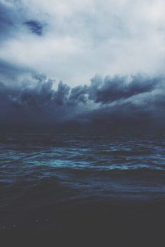 dark and stormy sea | nature photography + seascapes #adventure