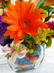 Jelly beans make a great base for easter decor. Use a vase a vase inside a vase to avoid dissolving the jelly beans. Easter Crafts, Holiday Crafts, Holiday Fun, Easter Ideas, Easter Decor, Holiday Ideas, Colorful Centerpieces, Easter Centerpiece, Floral Decorations
