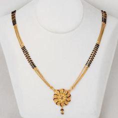 Gold Jewelry For Sale Gold Jewelry Simple, Gold Rings Jewelry, Gold Jewellery Design, Bridal Jewelry, Beaded Jewelry, Fashion Jewellery, Gold Mangalsutra Designs, Gold Ornaments, Necklace Designs