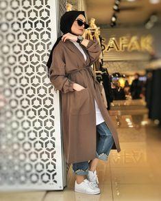 Genç Hijab - Ropa y moda femenina - Joven hijab - Hijab Fashion Summer, Modest Fashion Hijab, Modern Hijab Fashion, Street Hijab Fashion, Hijab Fashion Inspiration, Muslim Fashion, Modest Outfits, Fashion Outfits, Hijab Style Dress