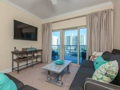Crystal Tower 303 Gulf Shores (Alabama) Crystal Tower 303 offers accommodation in Gulf Shores. This apartment provides an outdoor pool and free WiFi.  The unit equipped with a kitchen with a dishwasher and oven. A flat-screen TV is provided.
