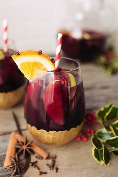 Spice-Infused Winter Sangria // @tastyyummies // www.tasty-yummies.com