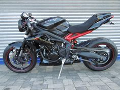 Street Triple Cafe Racer. Triumph 675, Triumph Street Triple, Cafe Racer Motorcycle, Cars And Motorcycles, Motorbikes, Racing, Motorcycles, Happiness, Running