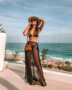 Beautiful Bikinis, Summer Outfits, Bikini models to rock this summer at VERY discount. Outfit Strand, Mode Du Bikini, Pool Party Outfits, Party Outfit Summer, Bikini Outfits, Poses, Beach Look, Summer Looks, Cute Outfits