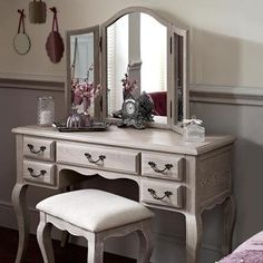Who would not love having a dressing table in your house or wardrobe ...