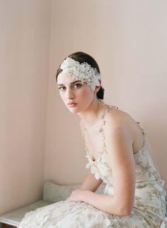 Accessoire de cheveux de mariée strass, de fleurs et de cristaux - Floral et bandeau de dentelle - Style 248 - sur mesure