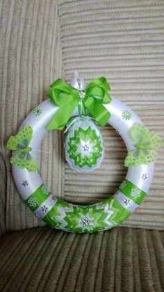 Ribbon Art, Topiaries, Diy Wreath, Puppets, Easter Eggs, Special Occasion, Christmas Gifts, Arts And Crafts, Symbols