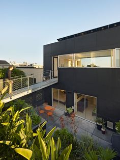 20th Street | Mork Ulnes Architects; Photo: Bruce Damonte | Archinect