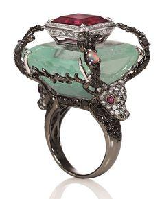 Wendy Yue save by Antonella B. Jade Jewelry, High Jewelry, Jewelry Art, Jewelry Rings, Vintage Jewelry, Jewelry Accessories, Jewelry Design, Luxury Jewelry, Magical Jewelry