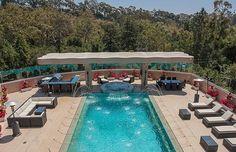 Por R$ 50,1 milhões, Rihanna põe à venda sua mansão em LA