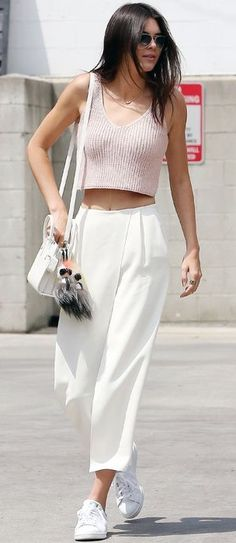 Cropped relaxed trousers and cute pink crop top. Brunch style inspo by Kendall Jenner!