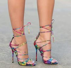 Pinterest: iamtaylorjess | Colorful pattern | Heels #fashion