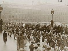 1931 - Obsèques du maréchal Joffre, passage du convoi mortuaire sur le pont d'Arcole, par l'agence Wide World Photos pour The New York Times