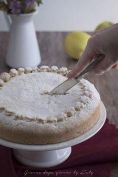 crescia con le mele, ricetta tipica della regione Marche.