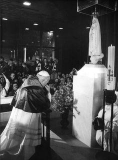 Sister Lucia Fatima Portugal | JPII prays at Fatima in 1982, thanking Our Lady of Fatima