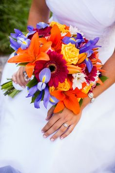 bright bridal bouquet // Huong Forrest Photography // Take the Cake Event Planning