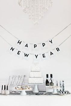 Minimalist Decor - NYE Decorations To Make For Your Party - Photos