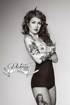 Victoria van Violence   Flickr - Photo Sharing!
