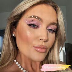 Gem Makeup, Pink Eye Makeup Looks, Pink Eyeshadow Look, Rave Makeup, Simple Makeup Looks, Creative Makeup Looks, Pink Makeup, Pink Eyeliner, Cowgirl Makeup