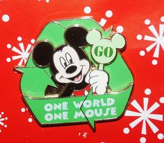 Disney Pin MICKEY MOUSE Go Green One World 3D LE Limited Edition SOLD OUT BB3