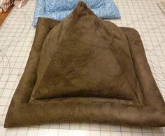 Pyramid Tablet Pillow