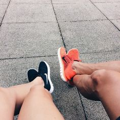 mais um domingo tranquilo na selva de pedras  #domingo #sunday #vibes #withhim #love #sneakerhead #runningshoes #nike #nikefamily #nikerunning #nikewomen #nikegirlsbr #mood
