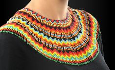 This art is a tradition from the tribe of the Emberá Chamí. Seed Bead Necklace, Tribal Necklace, Seed Bead Jewelry, Beaded Jewelry, Crochet Necklace, Beaded Bracelets, Jewellery, Embroidery On Kurtis, Kurti Embroidery Design