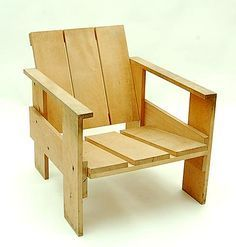Botterweg Auctions AmsterdamPine-wood so called crate-chair design Gerrit Rietveld 1934 executed by Cassina / Italy Adirondack Chair Plans, Adirondack Furniture, Pallet Furniture, Furniture Projects, Furniture Plans, Furniture Design, Pallet Chairs, Reclaimed Wood Projects, Diy Chair