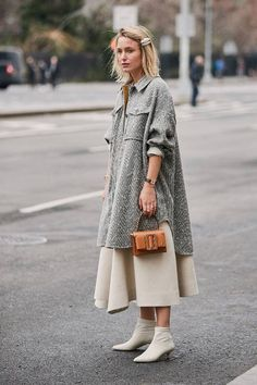 The Best Street Style Looks From New York Fashion Week Fall 2019 – Fashionista Nyc Street Style, New York Fashion Week Street Style, Looks Street Style, Autumn Street Style, Cool Street Fashion, Fashion Week Nyc, Street Chic, Fashion Moda, Look Fashion