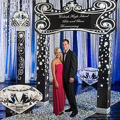 Create an event full of glitz and glamour with our Glittering Diamond Kit! Each kit contains four diamond accented props that give a sophisticated look.