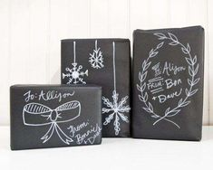 Out of wrapping paper? Check out our creative gift wrapping ideas to make your gifts stand out from the rest! Wrapping Ideas, Creative Gift Wrapping, Creative Gifts, Unique Gifts, Wrapping Papers, Black Wrapping Paper, Tutorial Diy, Christmas Chalkboard, Ideias Diy