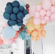 In love with this color combo! Balloon Display, Balloon Backdrop, Balloon Centerpieces, Balloon Garland, Balloon Decorations, Birthday Decorations, Baby Shower Decorations, The Balloon, Flower Baby Showers