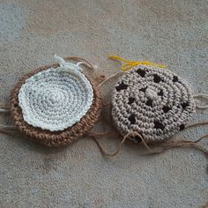 two crochet cookies for a crochet cookie scarf, crochetbug, crochet cookies, crochet sugar cookie, crochet gingersnap, crocheted, crocheting, crochet circle, crochet circles