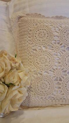 Crochet Headband Pattern, Crochet Flower Tutorial, Crochet Patterns, Crochet Ideas, Crochet Pillow, Baby Blanket Crochet, Mens Crochet Beanie, Crochet Toddler Dress, Crochet Shawl Diagram