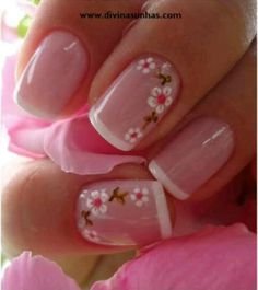 Opting for bright colours or intricate nail art isn't a must anymore. This year, nude nail designs are becoming a trend. Here are some nude nail designs. Fancy Nails, Trendy Nails, Sparkle Nails, Nail Manicure, Toe Nails, Gelish Nails, Nagellack Design, Pink Nail Designs, Nails Design