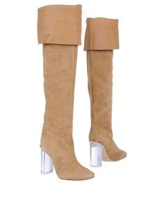 flat boots in this color would be fantastic...