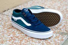 Les nouvelles @vans sont disponibles sur www.hawaiisurf.com #hawaiisurf #shop #paris #vans #vansskateboard #skateshoes #skateboarding #skateboard #shoes #nikon