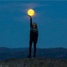 Holding the moon 🌝 📍: Sirdal, Vest-Agder 📷: @ilovesirdal