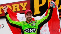 Rookie Mistake/Pro Fix: Slow in, fast out. IndyCar driver James Hinchcliffe weighs in on cornering speeds.