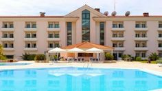 Best beach hotels and accommodation around Lisbon