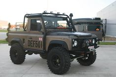 Land Rover Defender Pick Up / Automatic Gearbox Land Rover Defender, Defender 90, Cool Trucks, Cool Cars, 4x4 Trucks, Motorhome, Off Roaders, Bug Out Vehicle, Bug Car