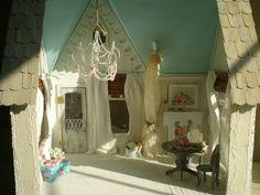 Cinderella Moments: Victorian Beach Dollhouse