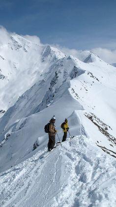 Faire du ski de randonnée et accéder à des endroit incroyable c'est aussi ma vision du ski... Go ski touring and access to incredible places is also my vision of skiing...