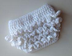 Crochet Baby Girl Crochet Pattern for Ruffle Bum Baby Diaper Cover 3 sizes Baby Girl Crochet, Crochet Baby Clothes, Crochet For Kids, Free Crochet, Knit Crochet, Newborn Crochet, Crochet Baby Bloomers, Crochet Ruffle, Booties Crochet