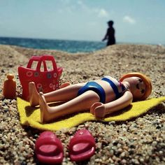 Paula en la playa Baby Doll Nursery, Baby Dolls, Playmobil Toys, Love Hurts, Toys Photography, Wood Crafts, Beach House, Play Mobile, Geek Stuff