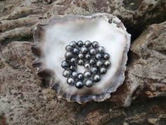Black Tahiti Pearls by Rakupferamik on Etsy