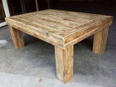 Compleet van pallet hout (verspringend) met verstekrand. Door denkmeubels en mezelf
