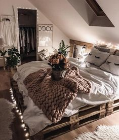 Rustic Bedroom Ideas - 25 Rustic Bedroom Layouts as well as Decoration Ideas for . - Rustic Bedroom Ideas – 25 Rustic Bedroom Layouts plus Decoration Ideas for… – Wood DIY Ideas - Cute Bedroom Ideas, Cute Room Decor, Room Ideas Bedroom, Home Bedroom, Comfy Room Ideas, Bedroom Furniture, Bedroom Ideas For Small Rooms Cozy, Bedroom Inspo, Bedroom Ideas Creative