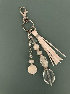 Anhänger, Lederquaste, Perlen