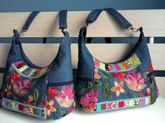 Best 12 Pin by Ancsa Bánócziné on Táskák Quilted Handbags, Quilted Bag, Purses And Handbags, Diy Bags Patterns, Purse Patterns, Bag Pattern Free, Tote Pattern, Handmade Handbags, Handmade Bags